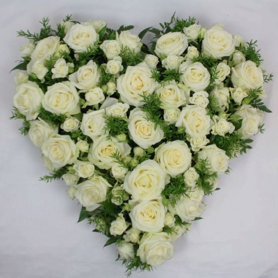 white-rose-heart-funeral-flowers-tribute-strood-rochester-medway
