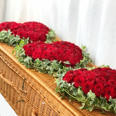 rose-trio-heart-casket-coffin-spray-funeral-flowers-tribute-delivery-strood-rochester-medway-kent