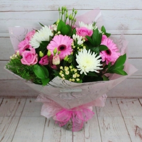 Cotton-candy-bouquet-handtie-flowers-delivery-strood-rochester-medway-kent