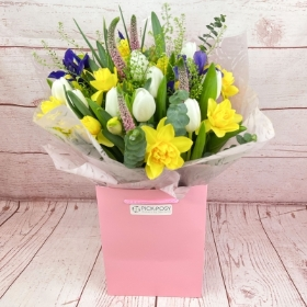 Spring-time-daffodils-tulips-handtie-bouquet-delivered-strood-Rochester-Medway-kent